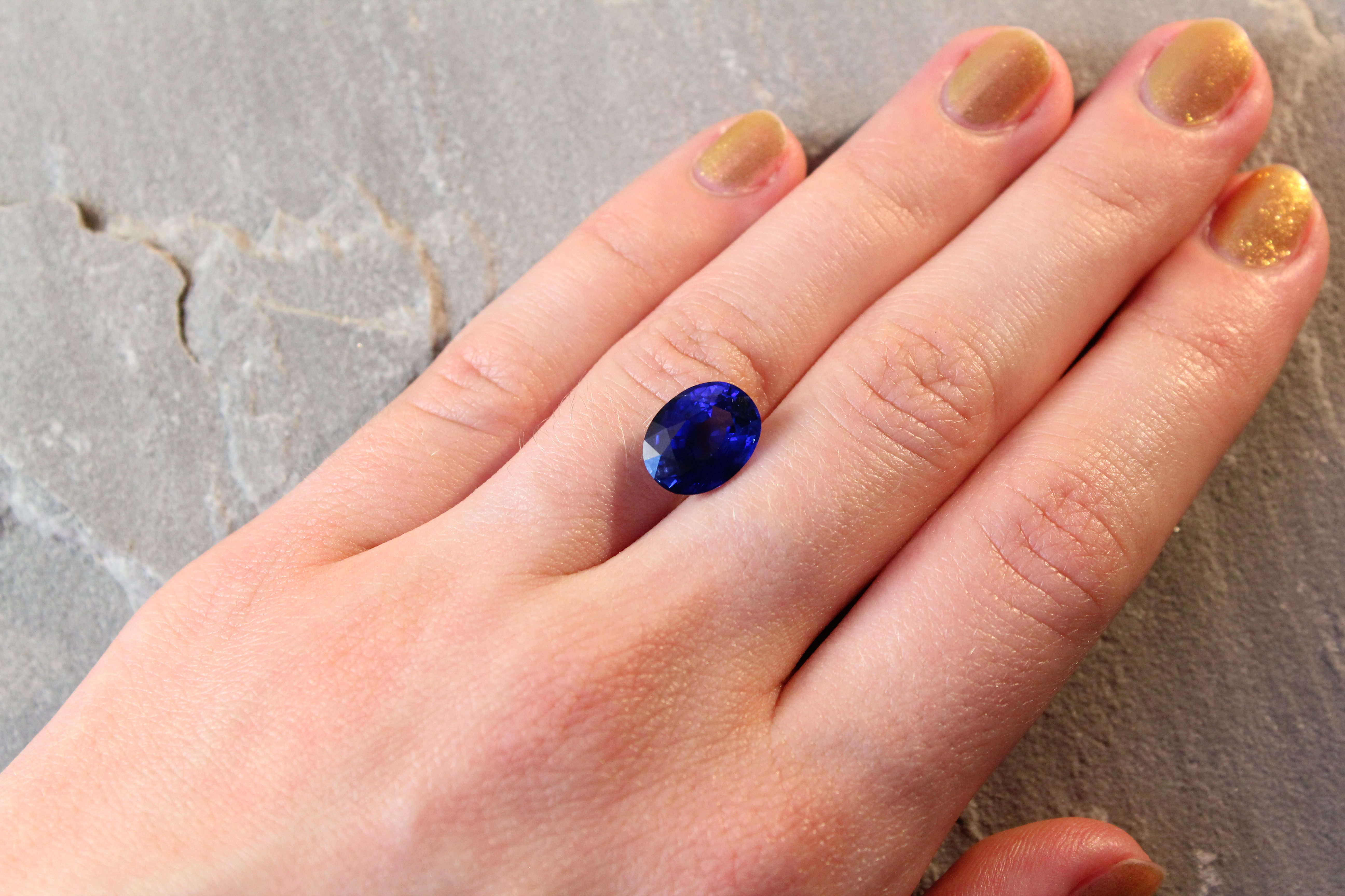 4.75 ct royal blue oval sapphire