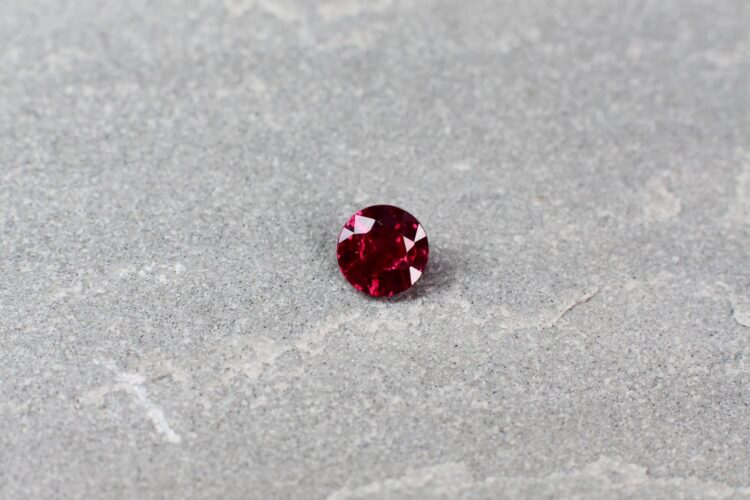 0.75 ct red round ruby