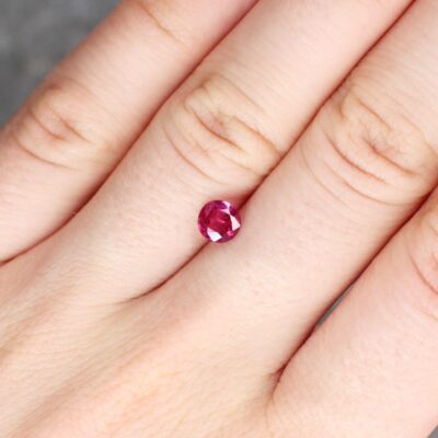 0.80 ct red oval ruby