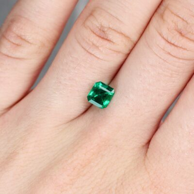 0.95 ct emerald cut green emerald