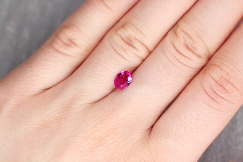 0.99 ct red oval ruby