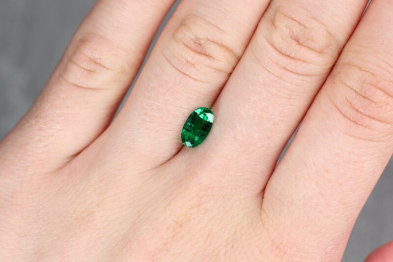 1.05 ct green oval emerald