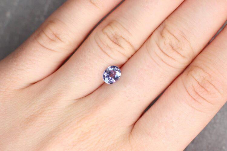 1.09 ct purple oval sapphire
