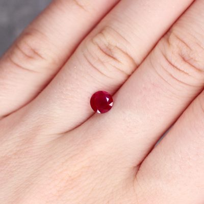 1.11 ct red round ruby