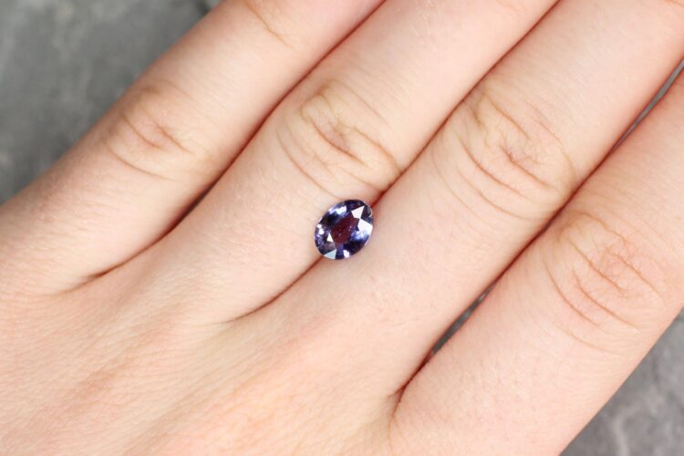 1.12 ct purple oval sapphire