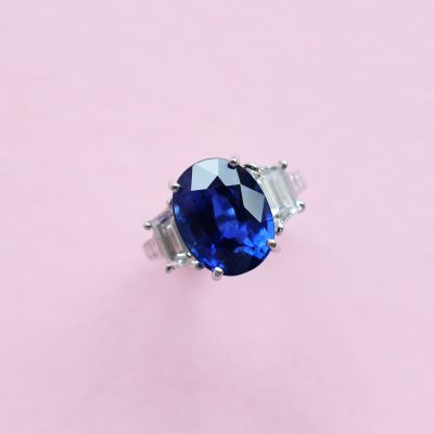 blue sapphire and white diamond three stone ring