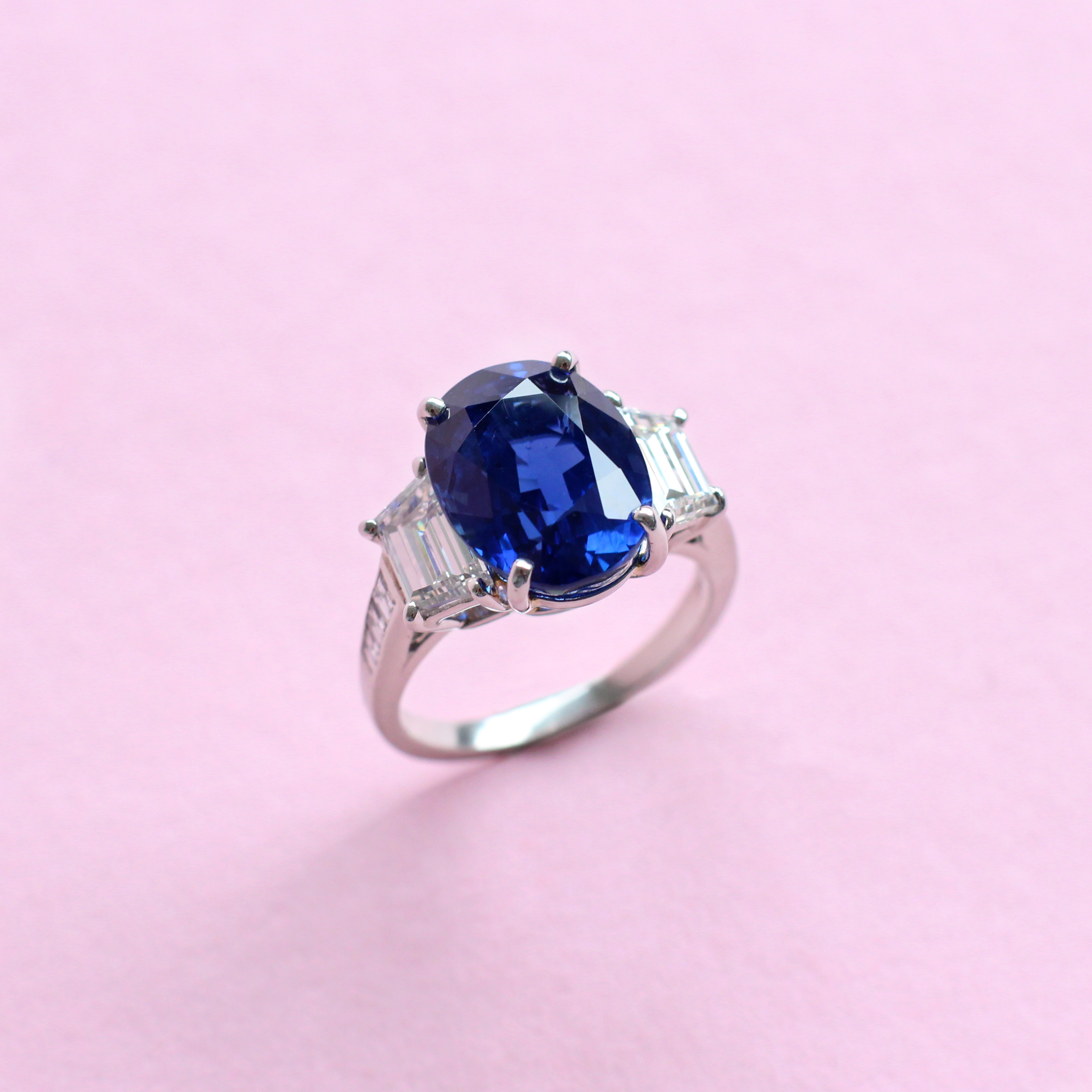 blue sapphire and white diamond three stone ring