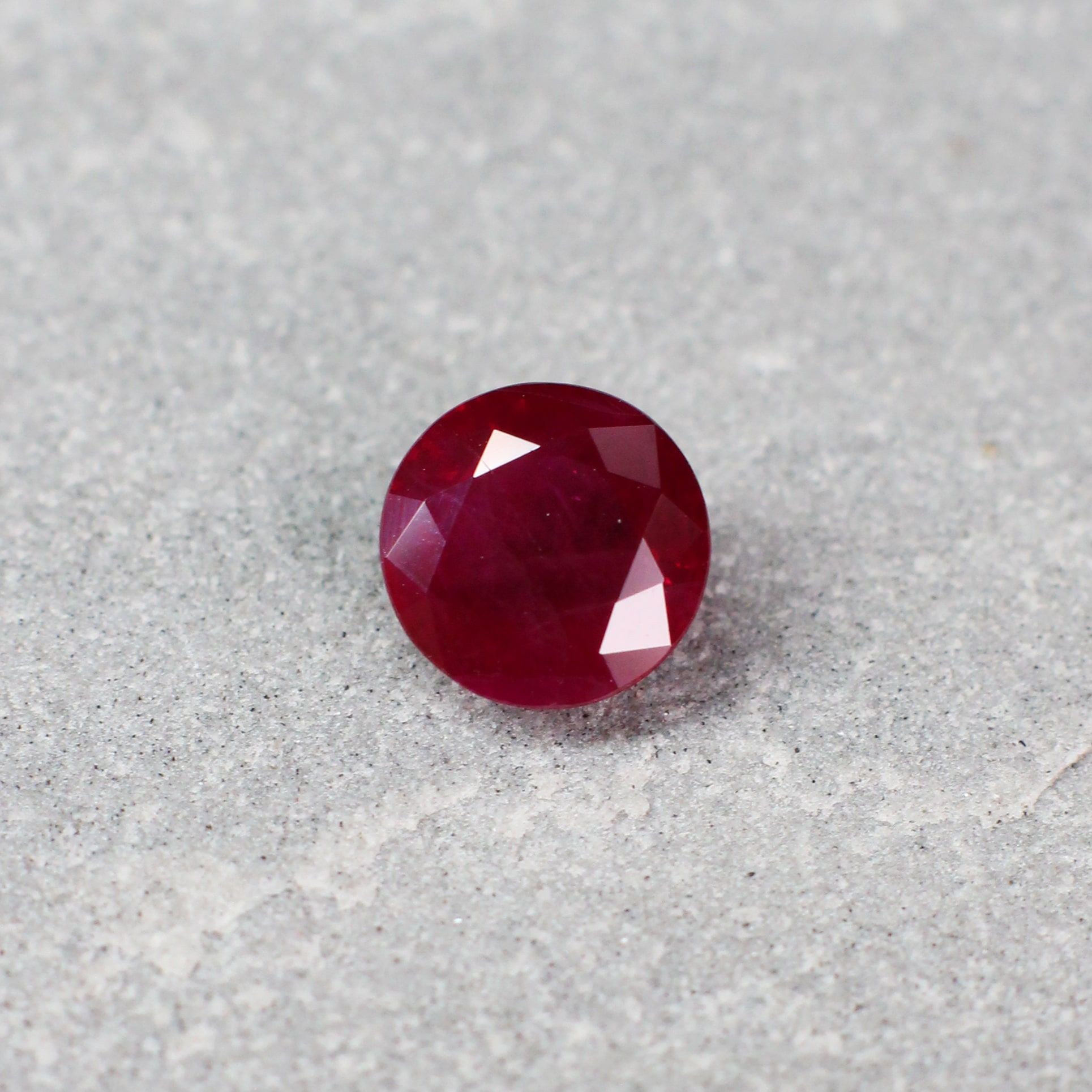 1.45 ct red round ruby