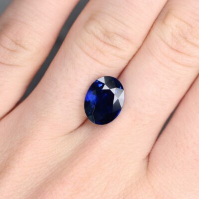 5.02 ct royal blue oval sapphire