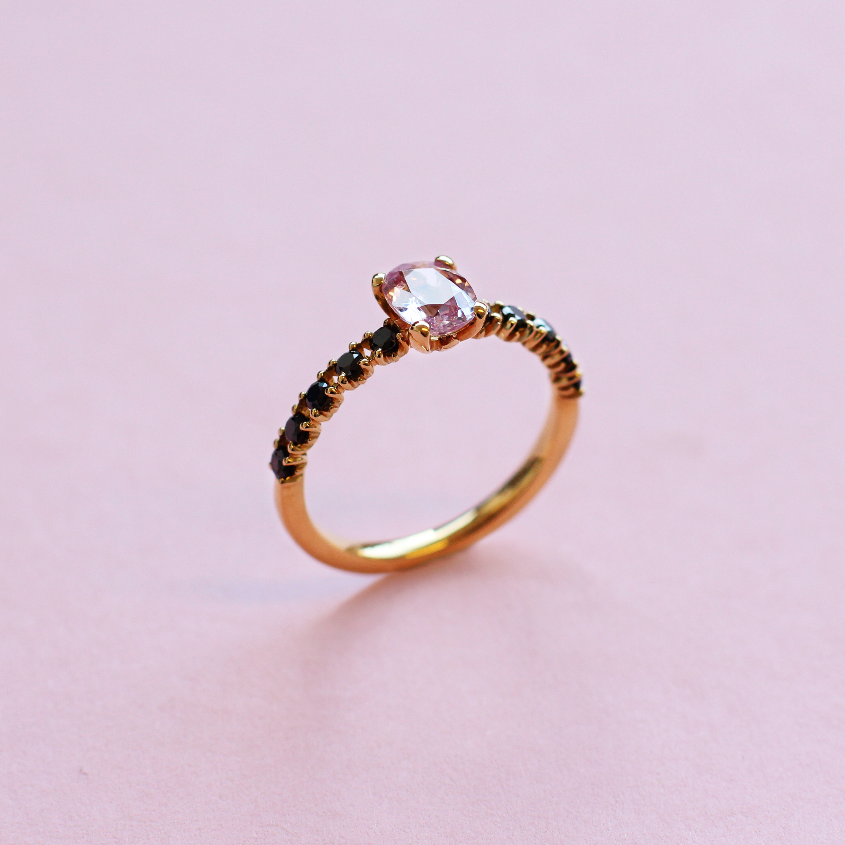 blossom solitaire ring – pink sapphire, black diamond and 18k yellow gold