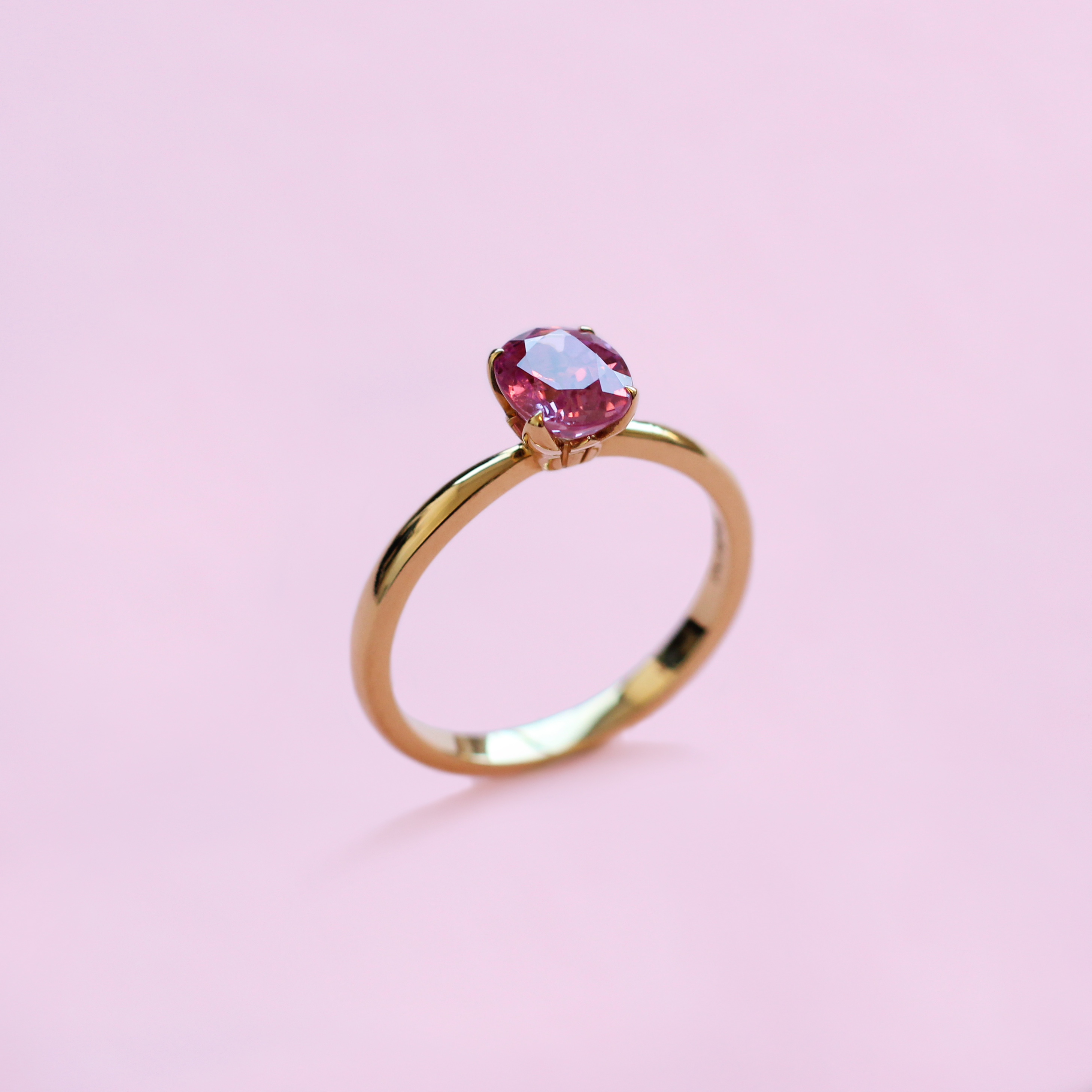 blossom solitaire ring – pink sapphire and 18k yellow gold