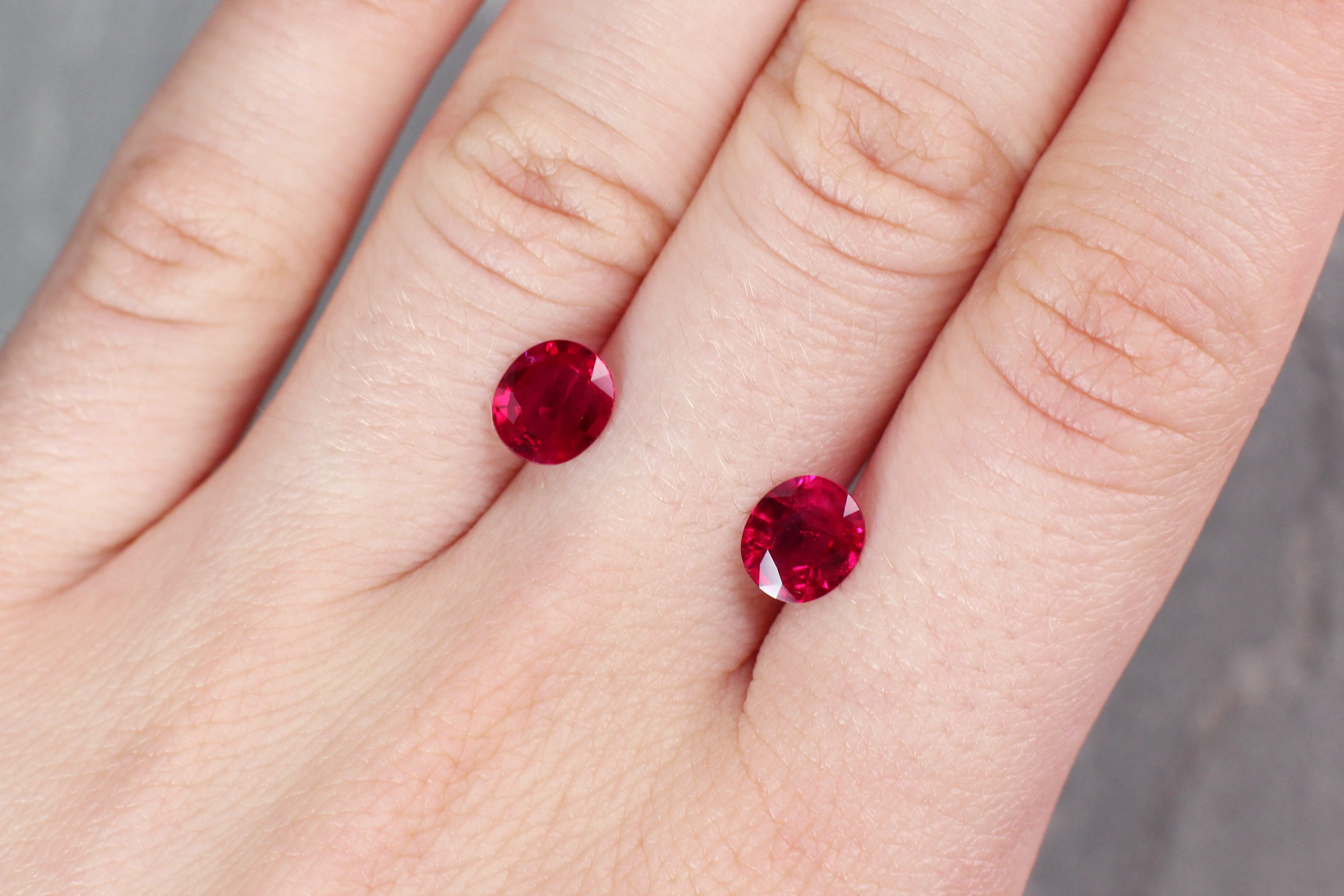 2.66 ct red oval ruby pair