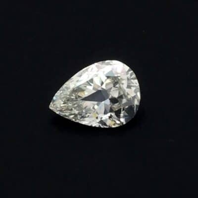 1.05ct white pear shape diamond