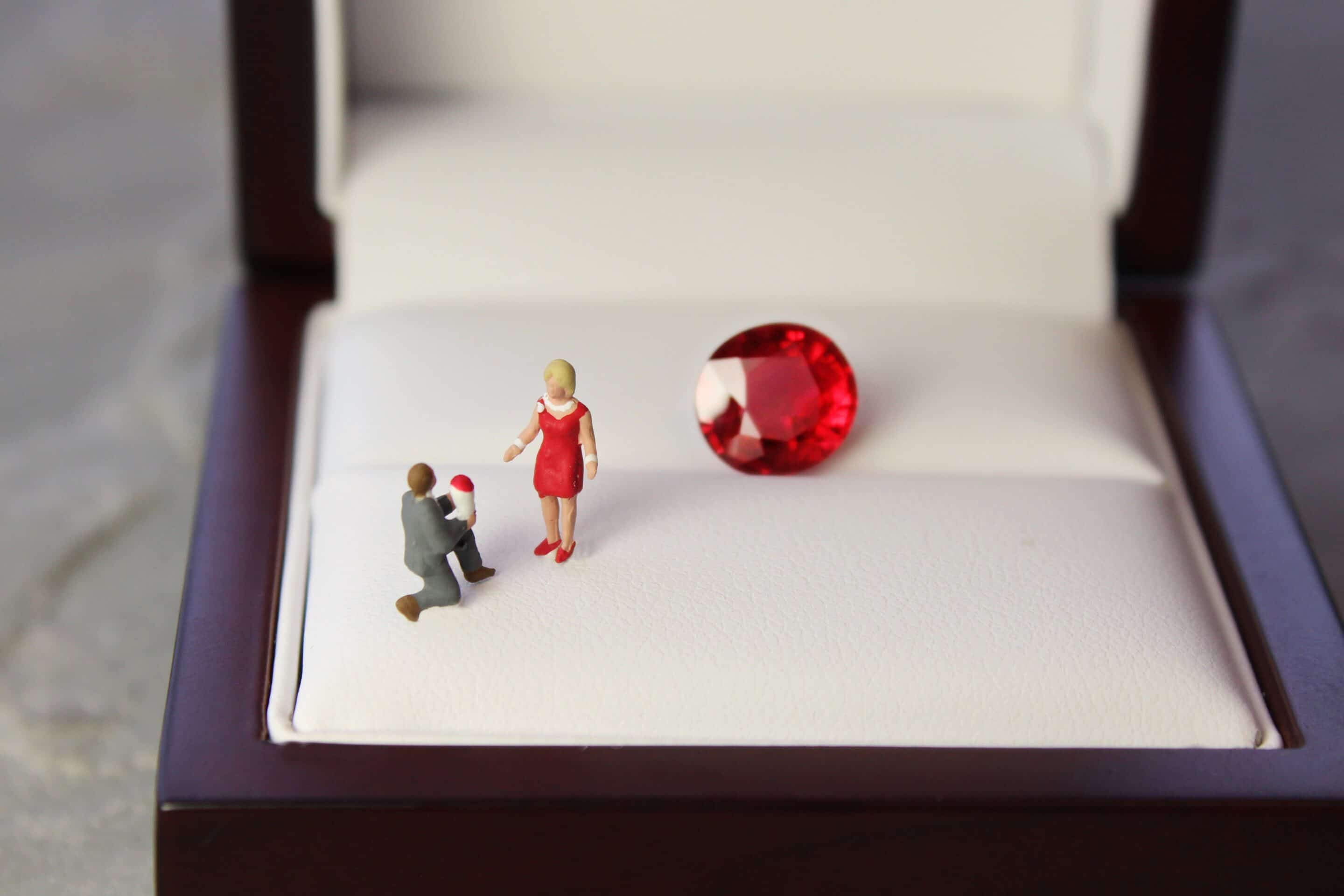 The Engagement Ring – A Gentleman's Guide to Buying Bespoke