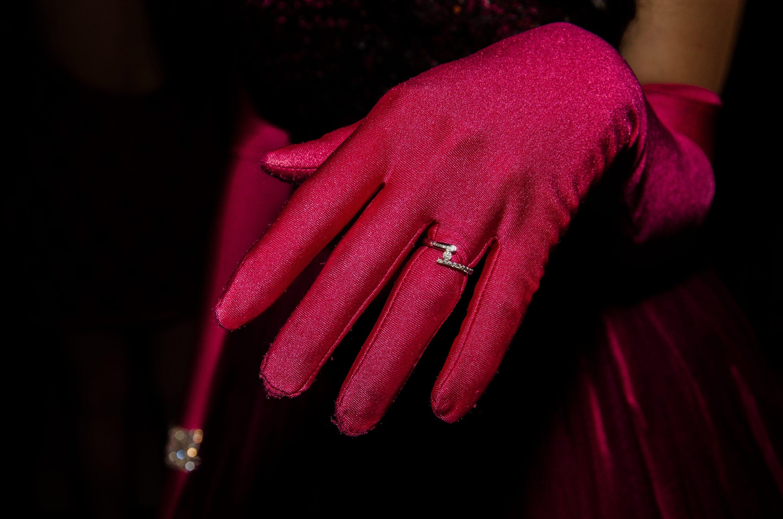 hand-ring-sleeve-rosa-42321.jpeg