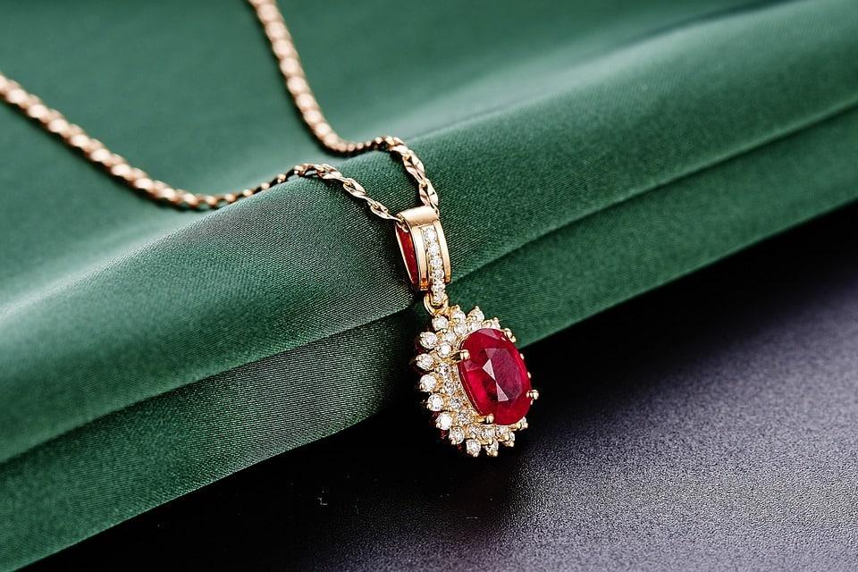 jewelry-625724_960_720.jpg